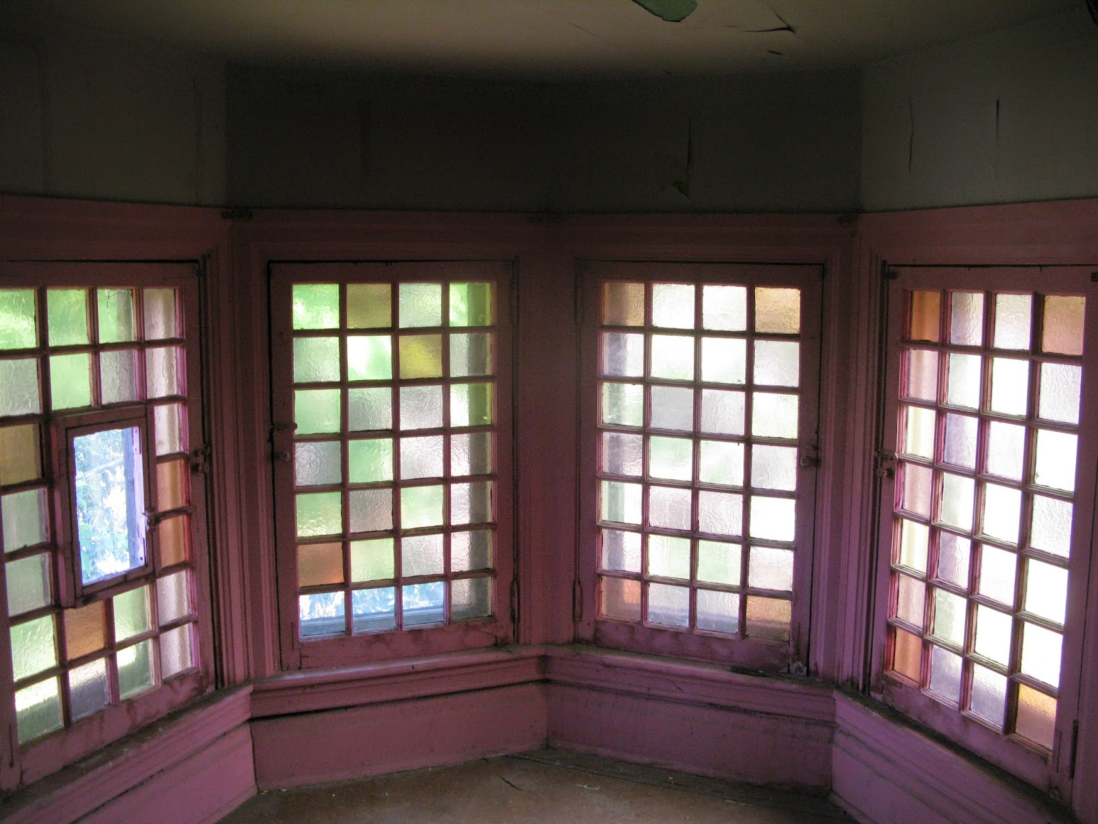 Queen Anne Stained Glass Window - Glass Decorating Ideas