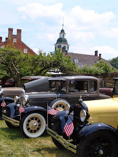 Classic_cars_at_Old_Economy_Village