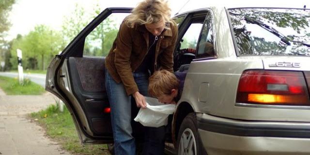 Cara Ampuh Agar Tidak Mabuk Saat Naik Mobil !