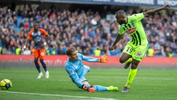 Vidéo - Le but de l'attaquant camerounais Stéphane Bahoken face à Montpellier