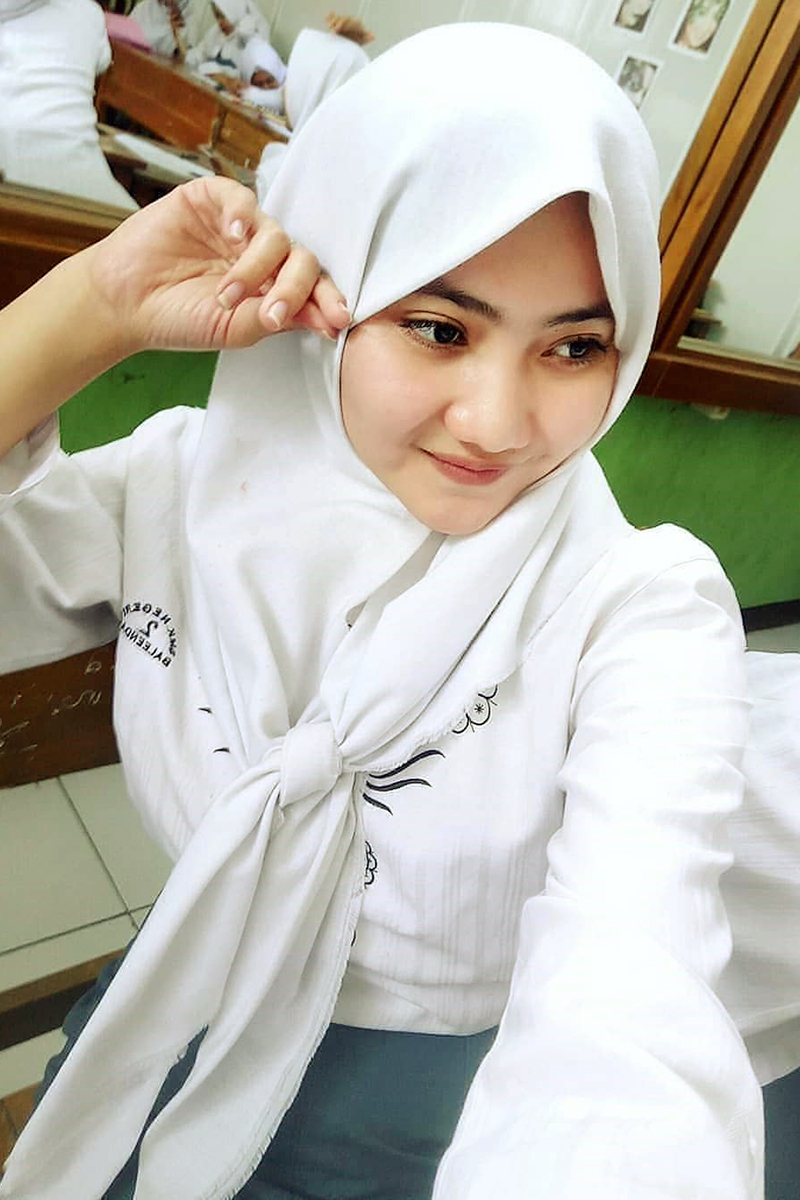 cd Siswi Jilbab SMA Cantik smp