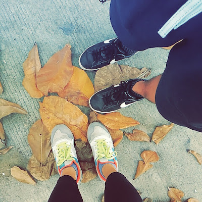 shoe selfie with autumn summer fallen dried leaves while jogging walking hiking - photos of the week may 2014 sexyfoosa blog -  for free use - please backlink us thanks