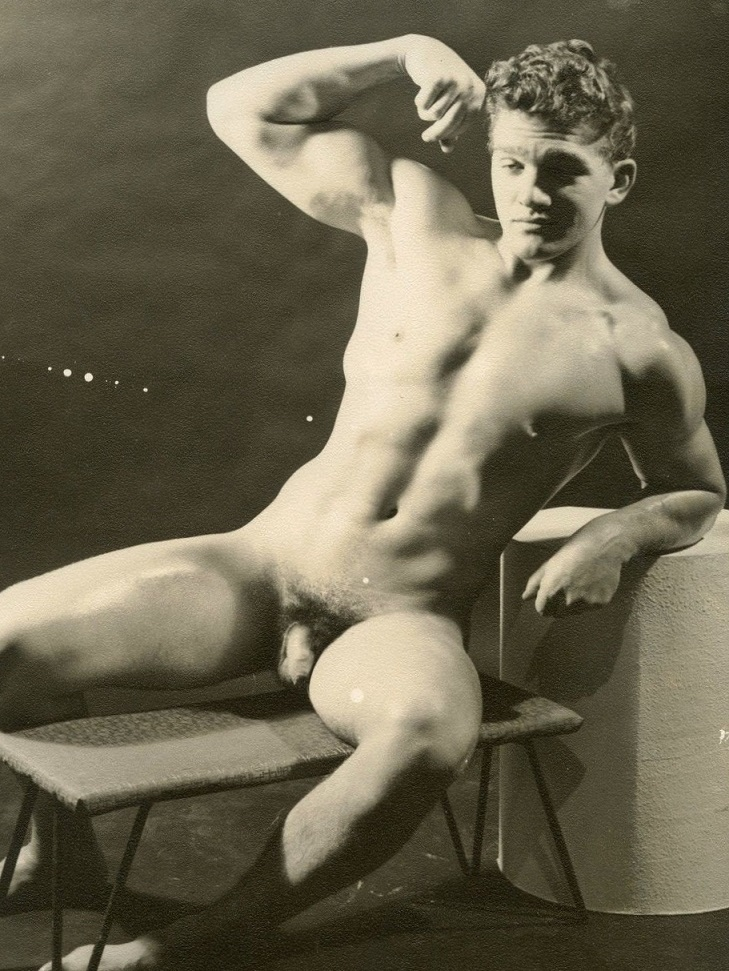 Pic vintage argentine nude men