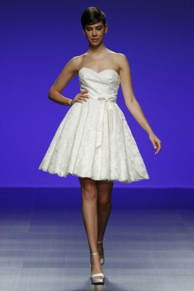 vestidos de novia cortos color beige