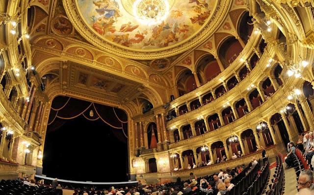 Apresentações noturnas em Viena