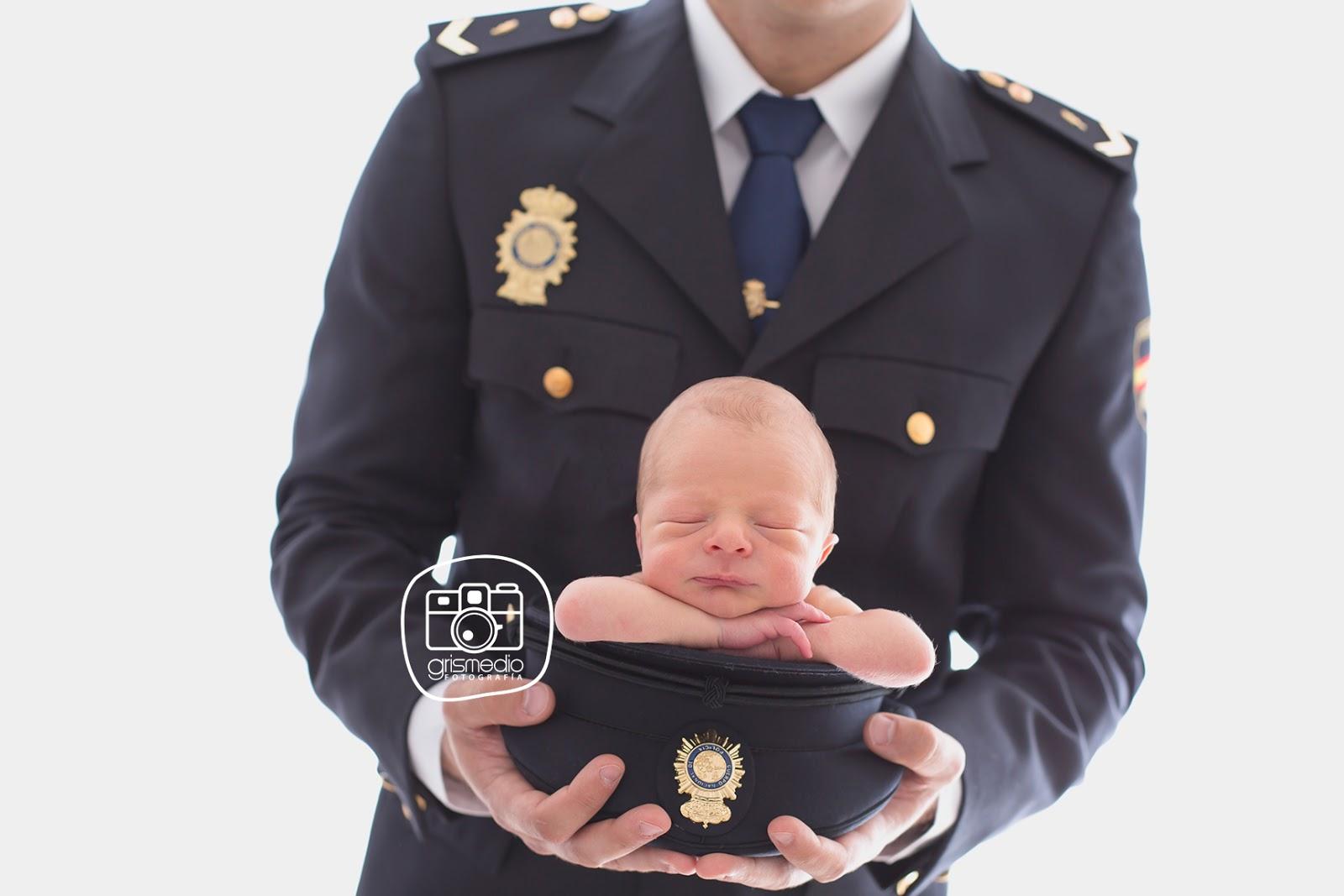 fotografia-especializada-recien-nacido-en-zaragoza-uniforme
