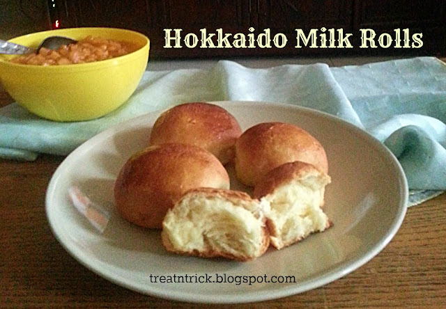 Hokkaido Milk Rolls Recipe @ treatntrick.blogspot.com