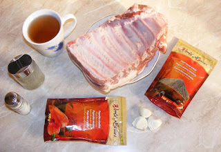 cum facem friptura din coaste de porc la cuptor ingrediente, retete cu carne de porc cu os, preparate din carne de porc cu os, retete, retete culinare, carne de porc, coaste de porc, vin, cimbru, usturoi, piper, boia,