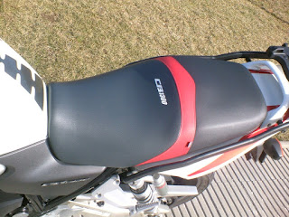 Diseño tapizado asiento moto