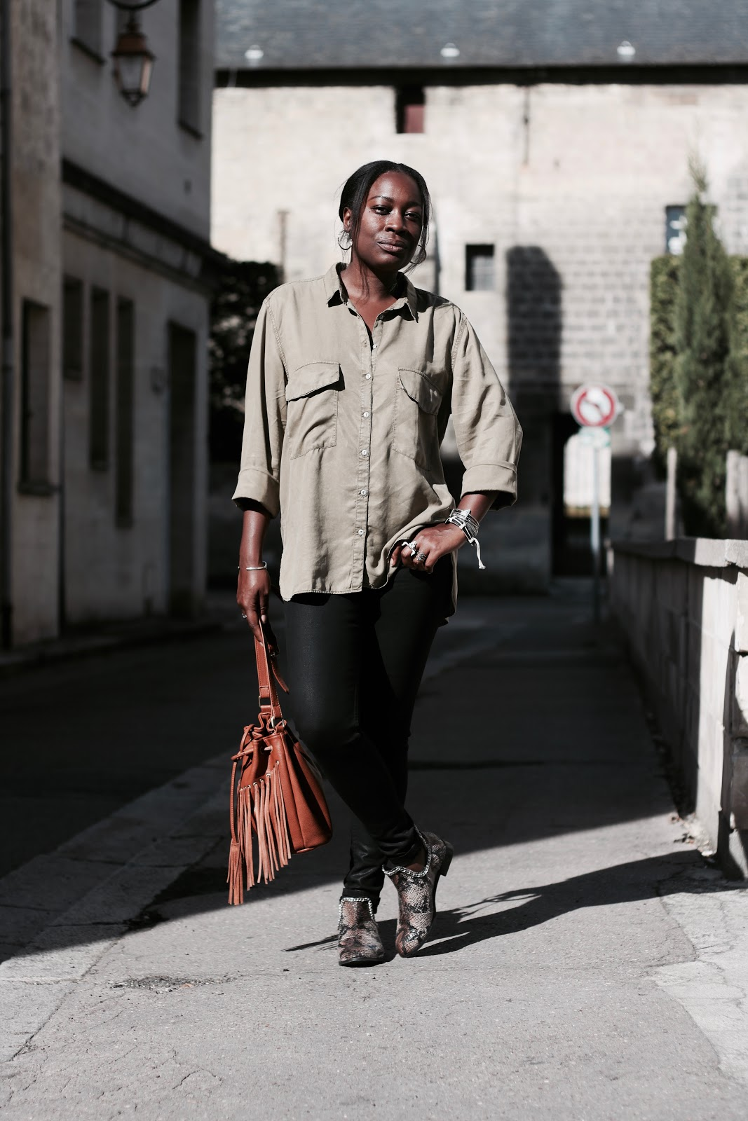 blog-mode-afro-black-fashion-blogger-chemise-kaki
