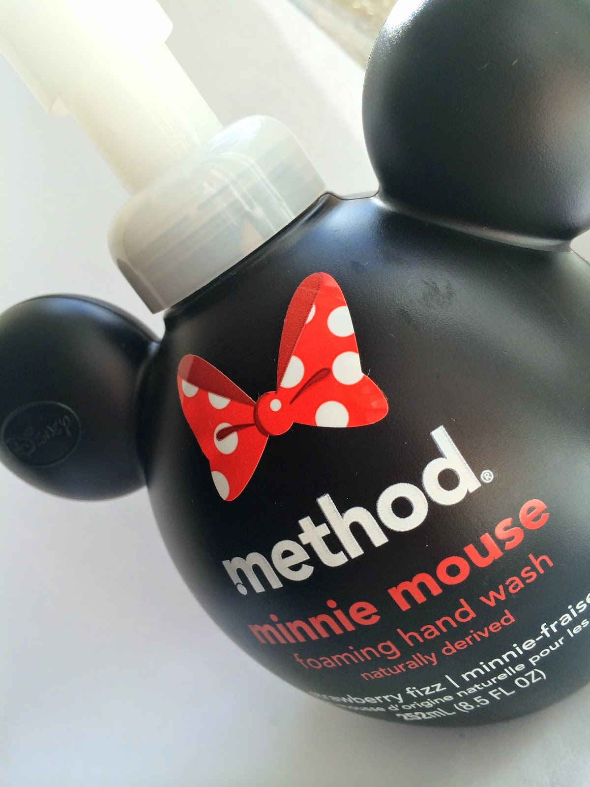 method-whistle-while-you-wash-foam-wash-minnie-mouse