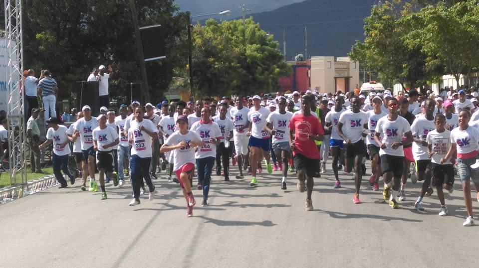 JOBAL y La Fiscalía de Barahona  realizan  maratón 5k contra la no violencia a la mujer