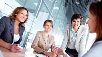 महिलाएं पुरुषों से ज्यादा कर रहीं नौकरियों पर कब्जा