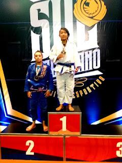 Daniele Kaori e Jefferson de Souza sobem ao pódio no Campeonato Sul Americano de Jiu Jitsu Esportivo