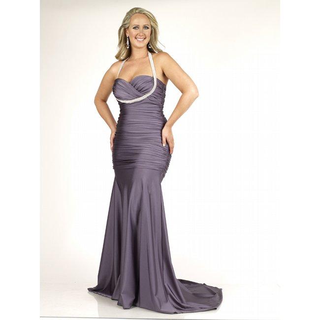 bf4cbca634 Prom Dresses for those Curves - A Thick Girl s Closet
