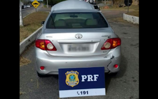 PRF apreende em Campos, RJ, carro roubado há 5 anos