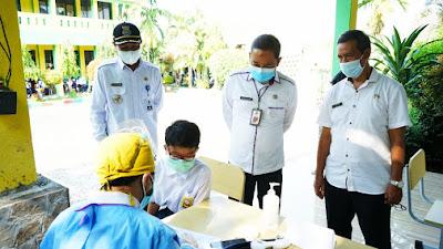 Sebanyak 182 Pelajar SMP Negeri 2 Solear dapatkan vaksinasi COVID-19