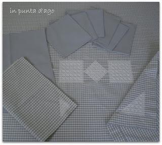 http://silviainpuntadago.blogspot.com/2011/10/nuvola-il-colore-che-ho-scelto-per.html