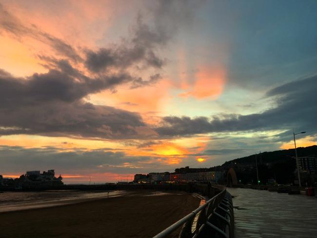 Mini-Breaks-and-Den-Building-Weston-super-mare-sunset