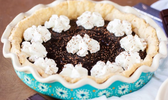 YODER'S AMISH CHOCOLATE PIE