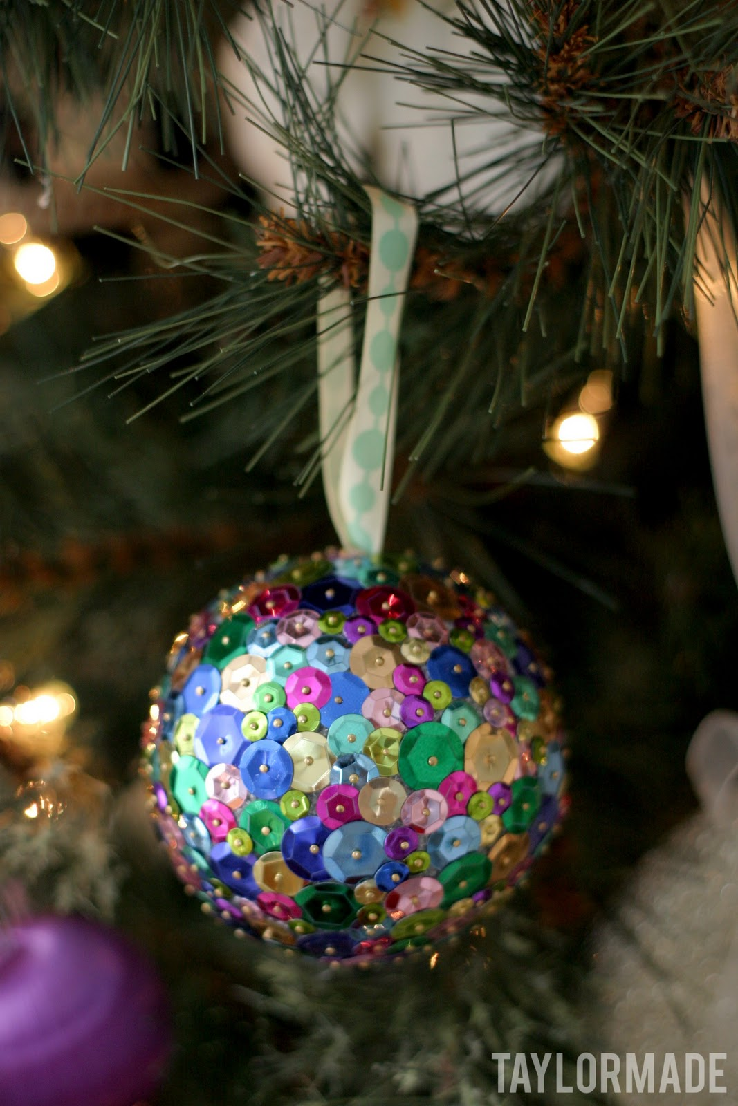 """A """"Make Your Own Ornament"""" Party - TaylorMade"""