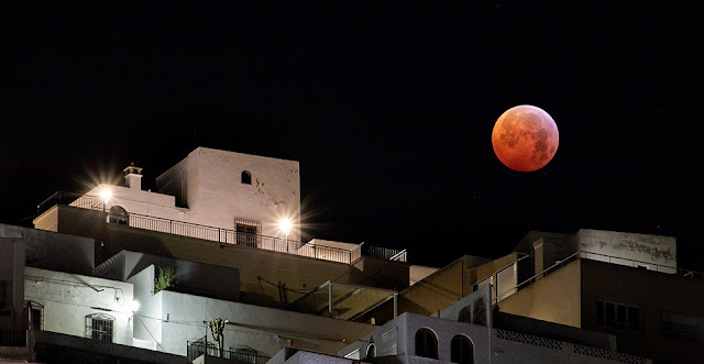 Total lunar eclipse seen on January 21 over Mojacar, Spain. Credit:Trevor Perry