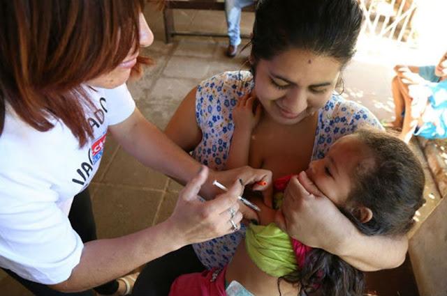 Resultado de imagem para vacinação sarampo samambaia