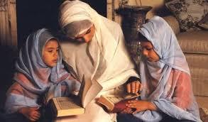Empat Peran dan Tanggung Jawab Muslimah