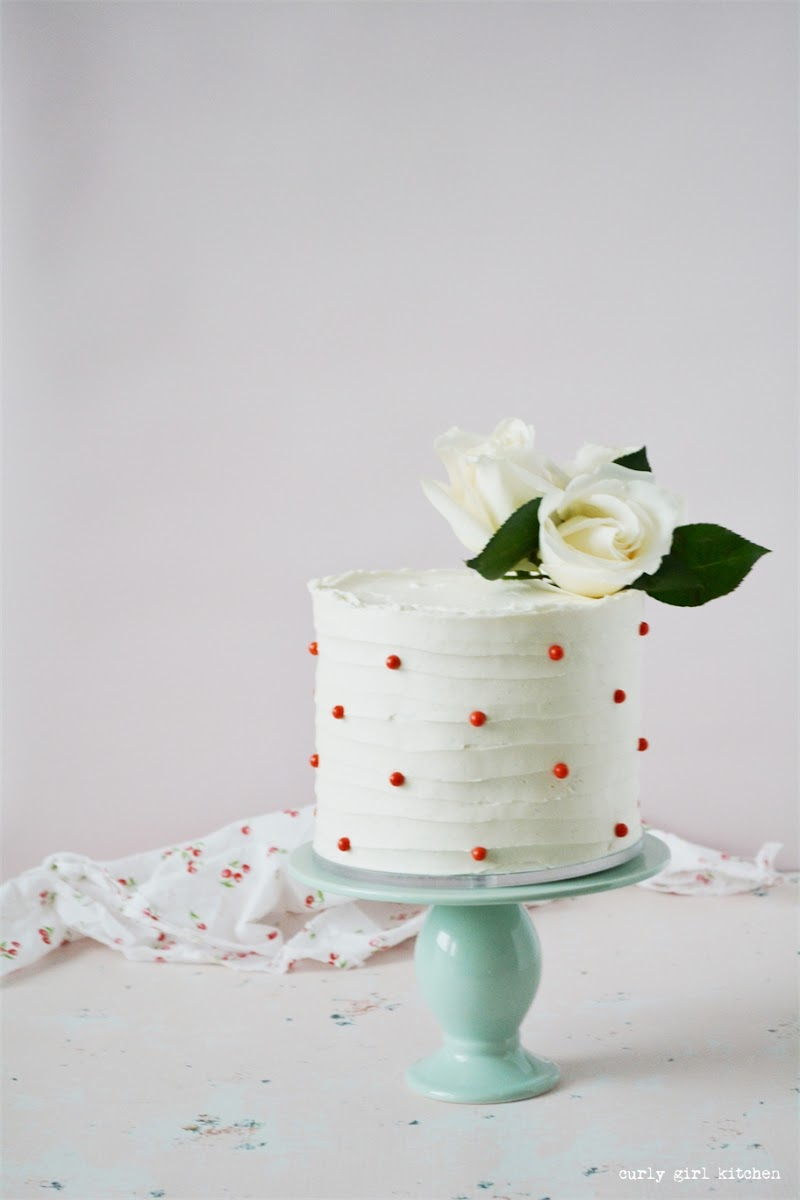 Cake Decorating Ideas, Red and White Cake, Cake with Flowers, Valentine's Cake, Polkadot Cake, Wedding Cake
