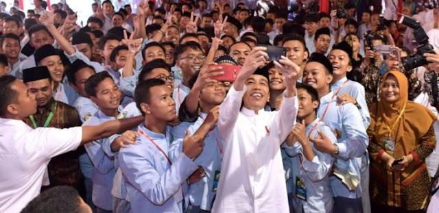 Kok Jokowi Ngotot Bangun Infrastruktur di Papua? Ada Apa?