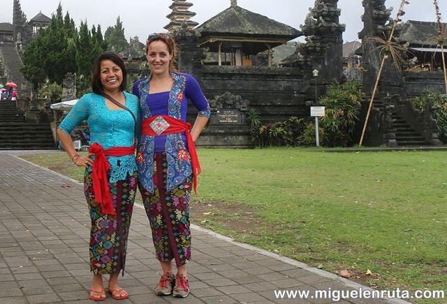 Cristina-Ven-a-Bali-Templo-Madre