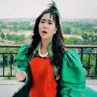 Lirik dan Terjemahan Lagu Rayola - Cinto Hanyo Didenai