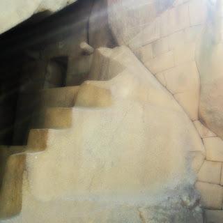 Raios de Sol Entrando na Tumba Real, Machu Picchu