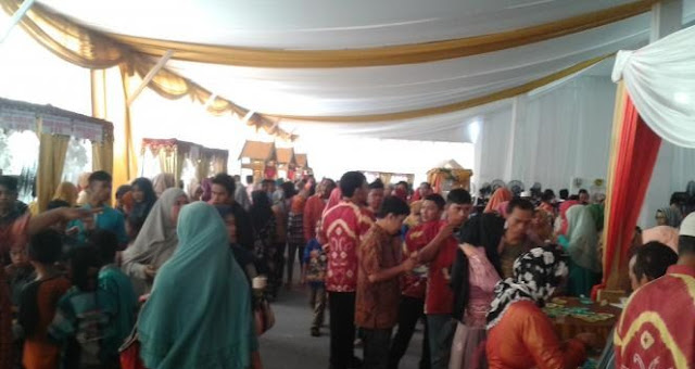 Pesta Perkawinan Pengusaha Kaya di Binuang Haji Ciut