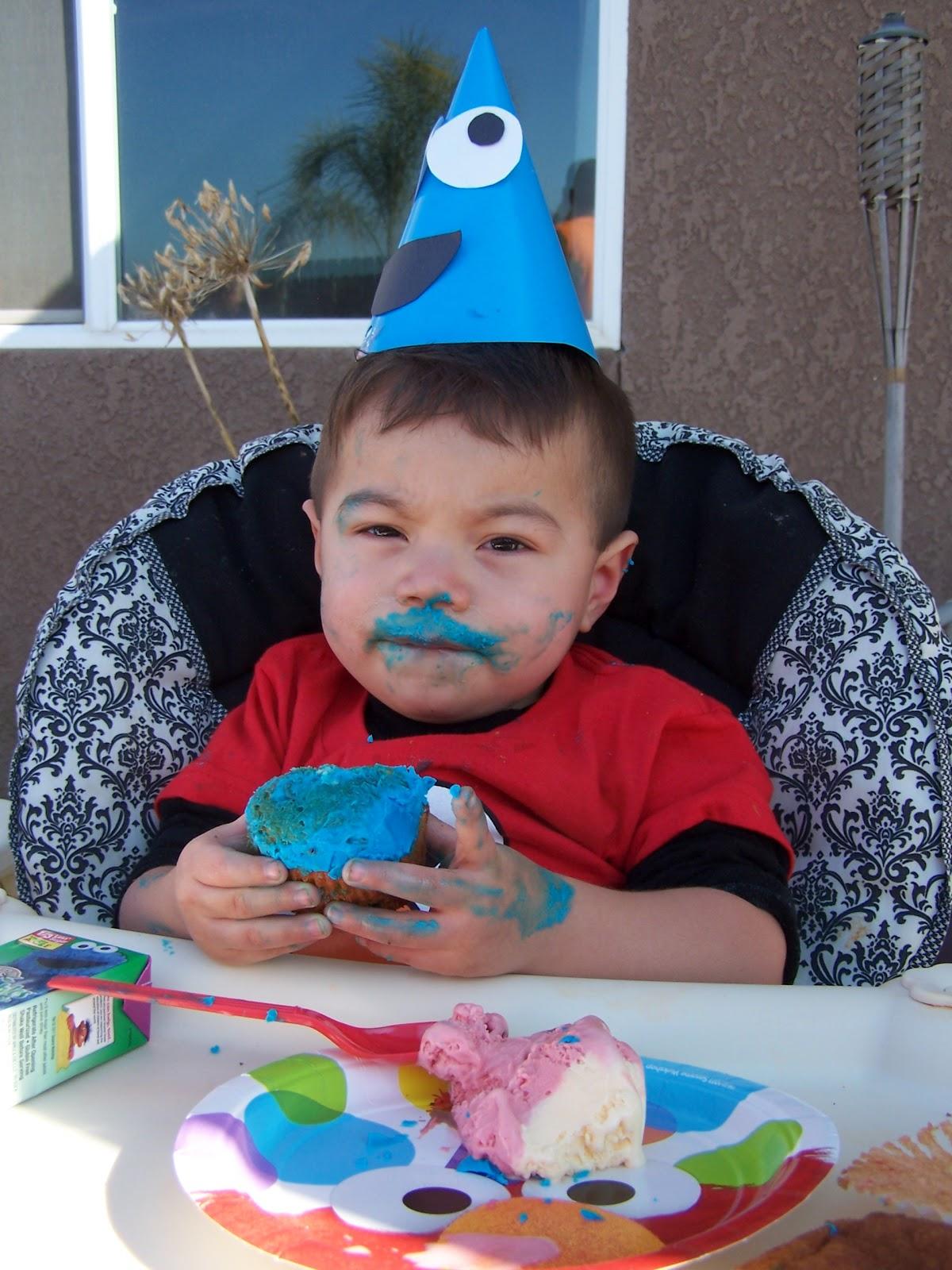 Busy Mom Full Of Ideas Elis Sesame Street Birthday Party