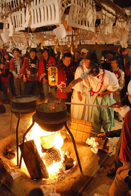 Shimotsuki Matsuri (winter festival), at Touyama Village, Iida City, Nagano Pref.