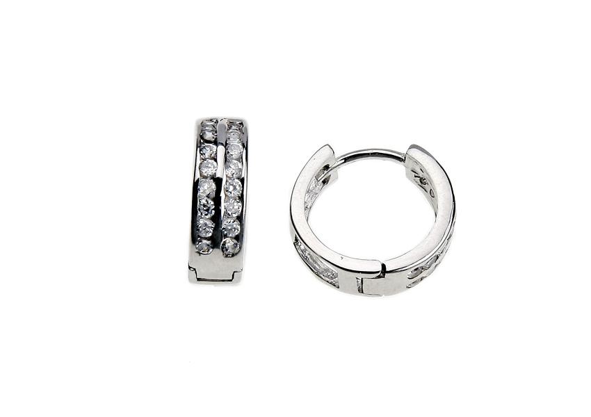 fd8a50de4 Túto špeciálnu povrchovú úpravu majú hlavne prstene, náušnice, prívesky a  tenké retiazky.