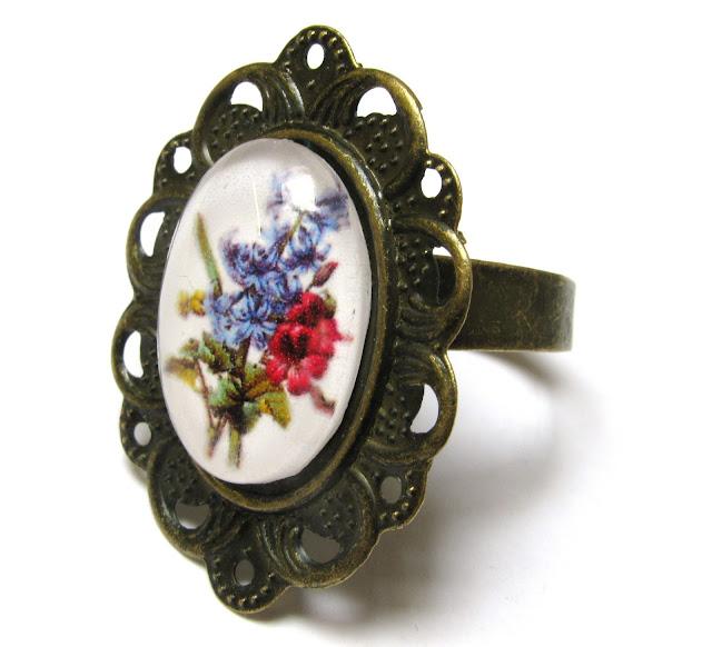 Bronskleurige ring met cabochon