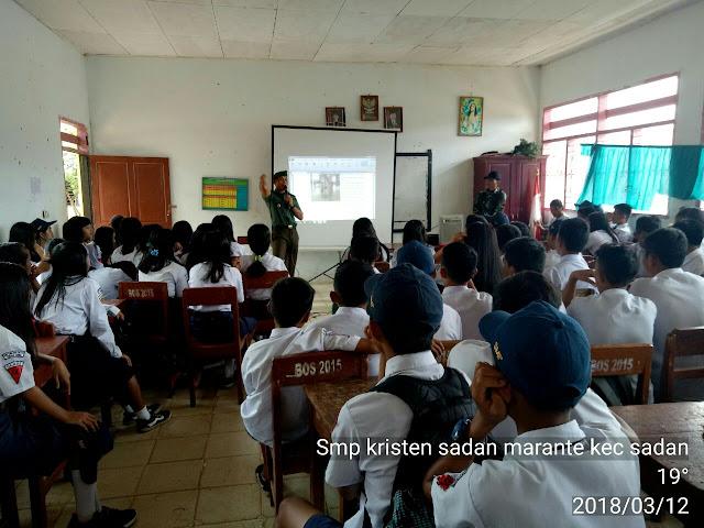 Danramil 1414-04 Sesean Berikan Wawasan Kebangsaan ke Siswa SMP Malimbong