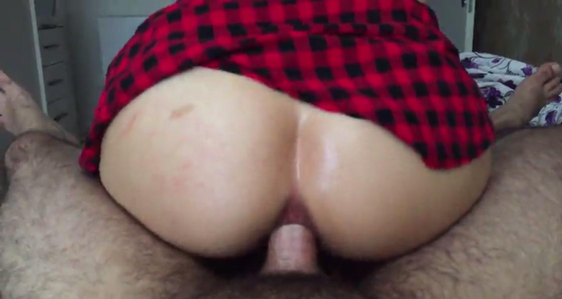 Kocasını aldatan kadın kaynına siktiriyor  Porno izle