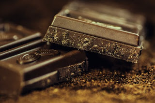eat chocolate to increase memory power