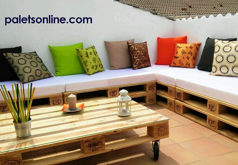 Muebles con palets for Muebles terraza con palets