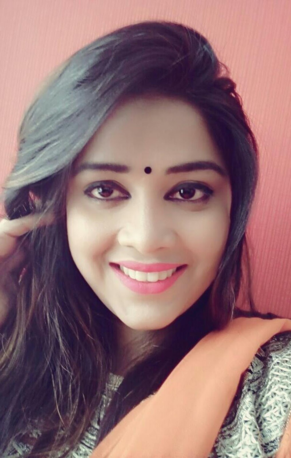 Eenu Shree biography wikipedia, Bhojpuri actress Eenu Shree date of birthday, Eenu Shree upcoming movies info, Check out Eenu Shree's Latest filmography, photo, Images, Wallpaper