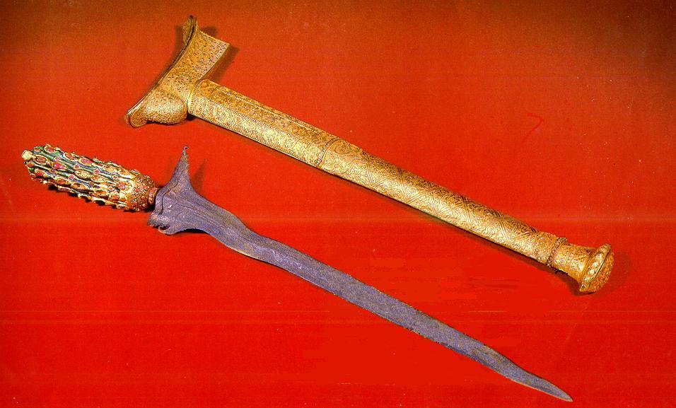 Lima Senjata Legendari Berkekuatan Mistis Paling Mematikan di Dunia