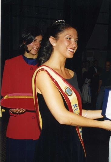Meigas: 2000. El año de la XXXI Meiga Mayor Lorena Fernández Márquez ...