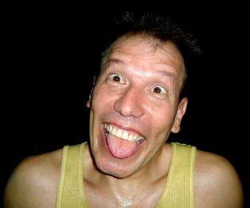 Foto de Raúl Romero poniendo cara graciosa como acostumbra