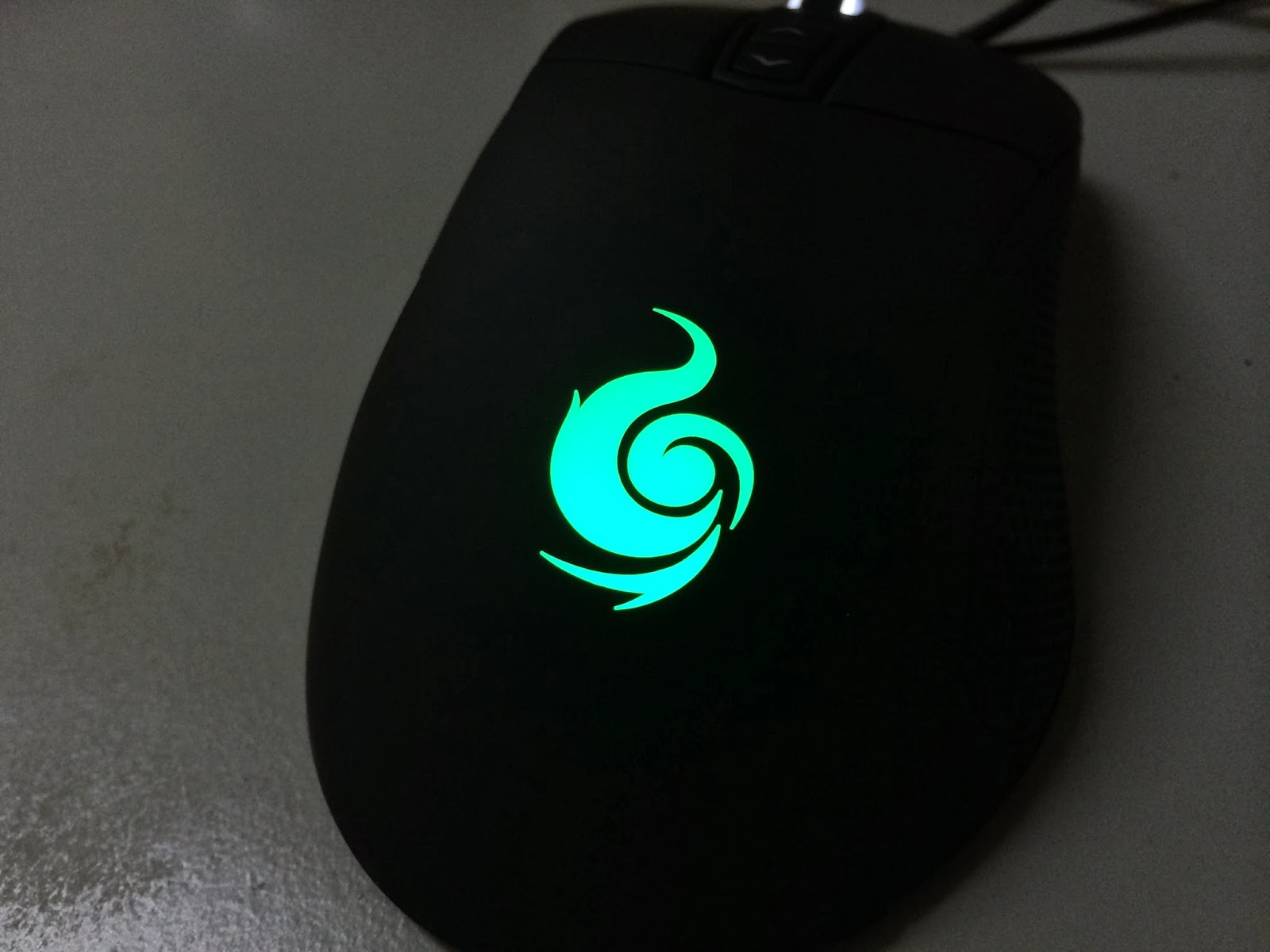 A Sneak Preview On The CM Storm Mizar Laser Gaming Mice 6