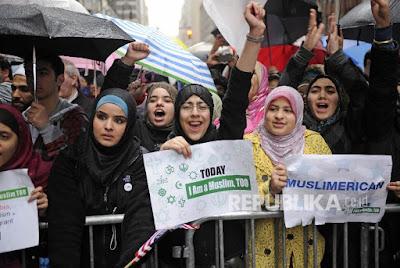 70 Persen Muslim AS Pilih Hillary Clinton
