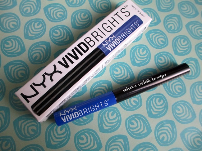 NYX Vivid Brights Saphire - delineador líquido azul