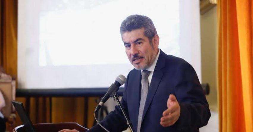 Ministro de Cultura, Rogers Valencia, se presentará mañana martes ante comisiones del Congreso de la República